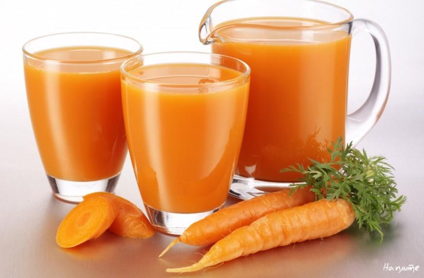 Овощной напиток из рассола и морковного сока