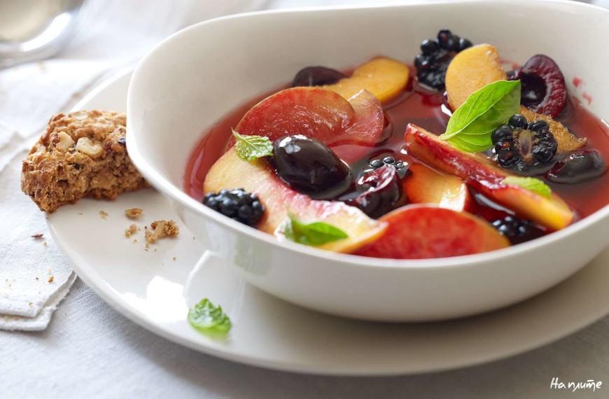 Горячий фруктовый суп